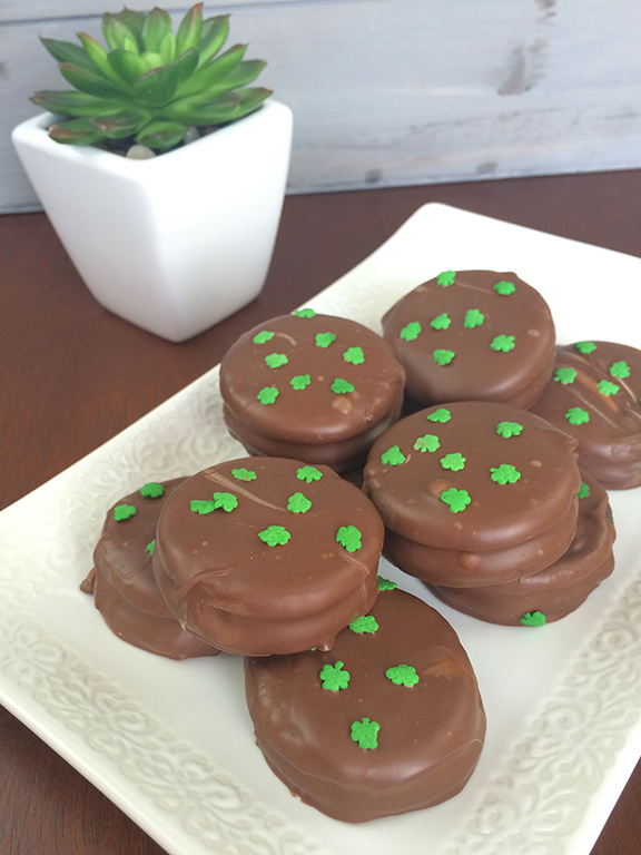 Chocolate-Covered-Mint-Oreo