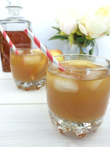 ... is how you can make your own maple bourbon cider cocktail at home