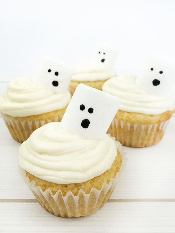 Halloween Ghost Cupcakes | Beauty and Blooms