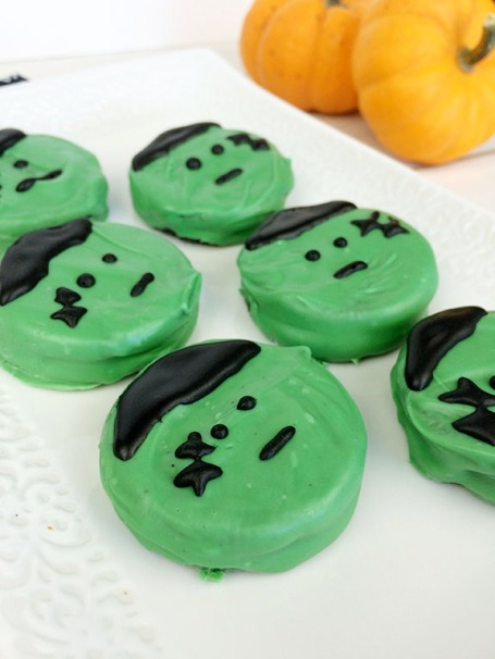 Frankenstein Oreos | Beauty and Blooms
