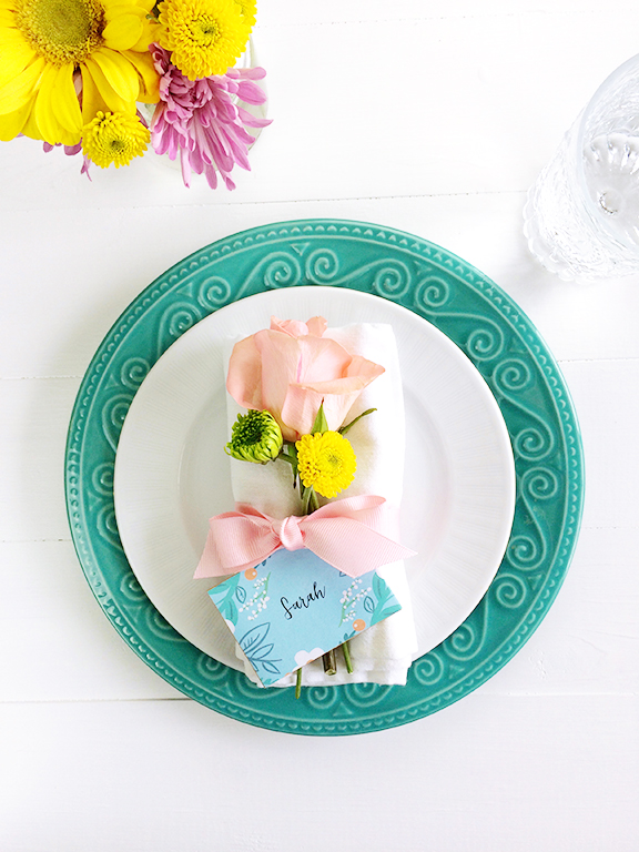Wildflower Place Setting. Perfect for a spring party or Easter dinner!