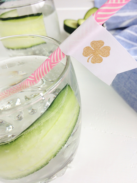 FREE Printable St. Patrick's Day Shamrock Drink Flags!