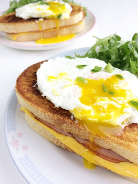 Croque Madame. Easy sandwich to make for a delicious lunch!