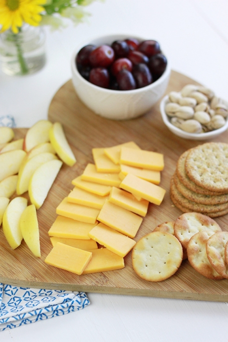 Quick and Easy Cheese Board! Perfect appetizer paired with wine for a fun girls night!
