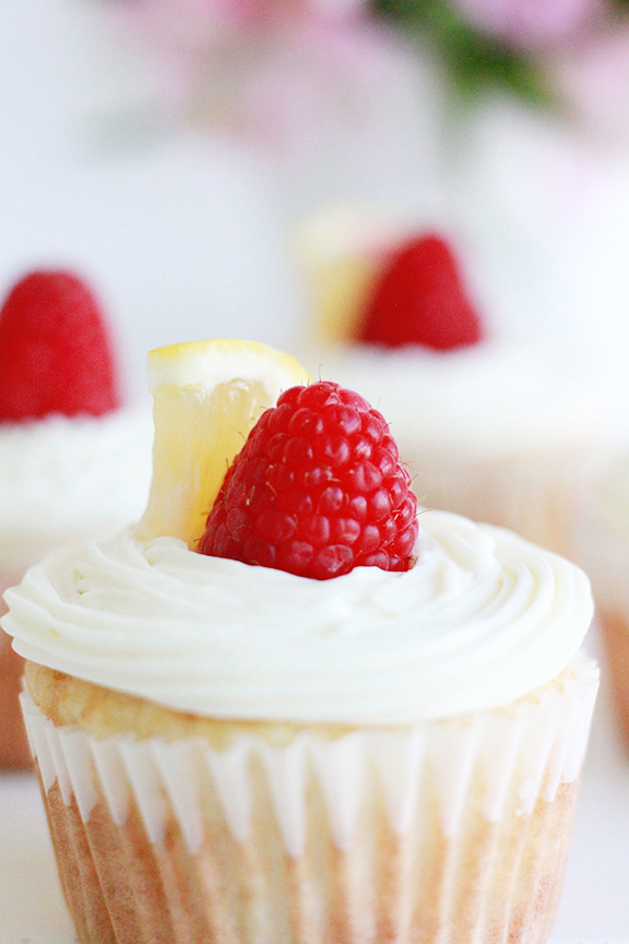 Limoncello Cupcakes! Perfect dessert for a summer party!
