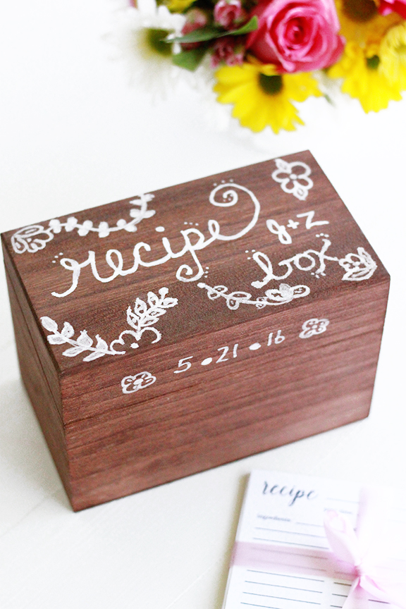 DIY Recipe Box - Great idea for a #wedding gift!