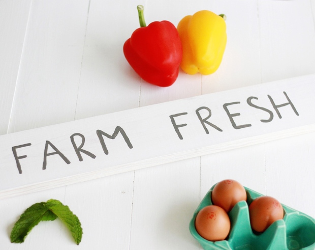 DIY Farm Fresh Kitchen Sign