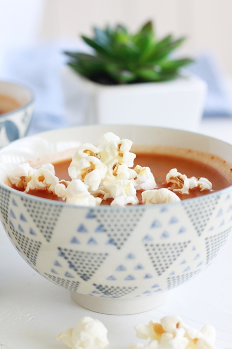 02-tomato-soup-with-popcorn