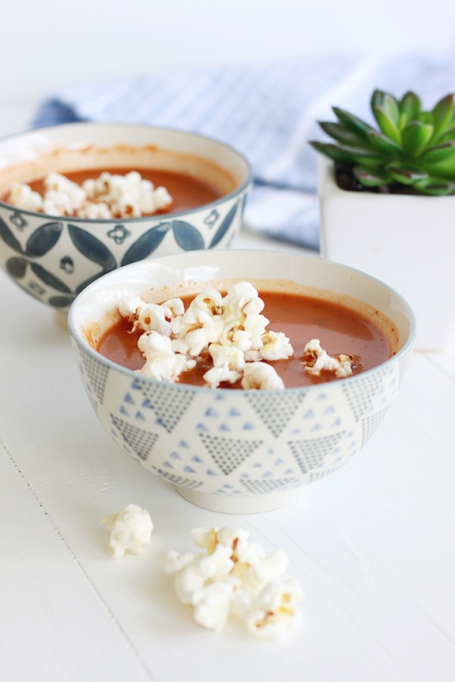 03-tomato-soup-with-popcorn
