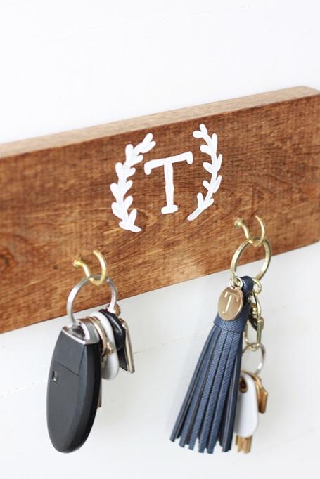 DIY Rustic Key Holder