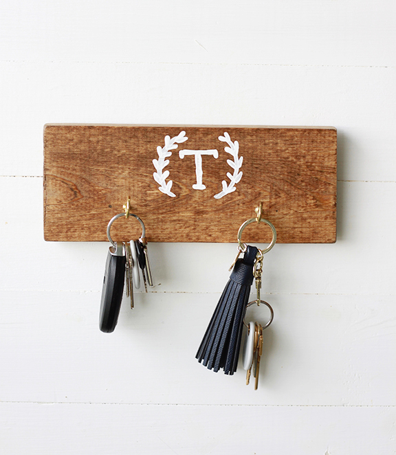 DIY Rustic Key Holder