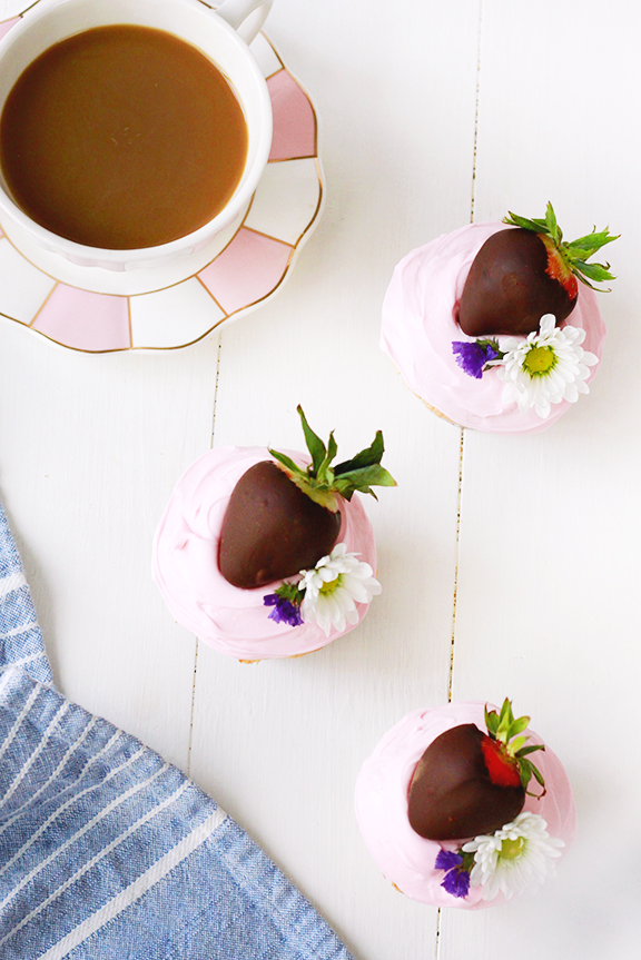 Chocolate Covered Strawberry Angel Food Cupcakes