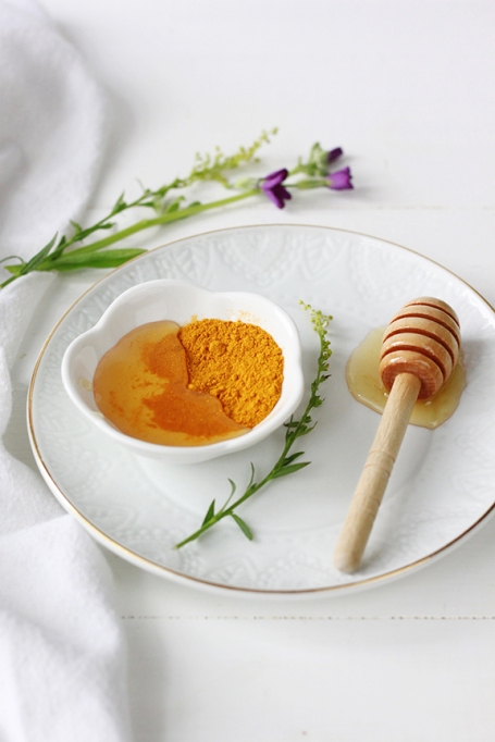 Turmeric Honey Face Mask