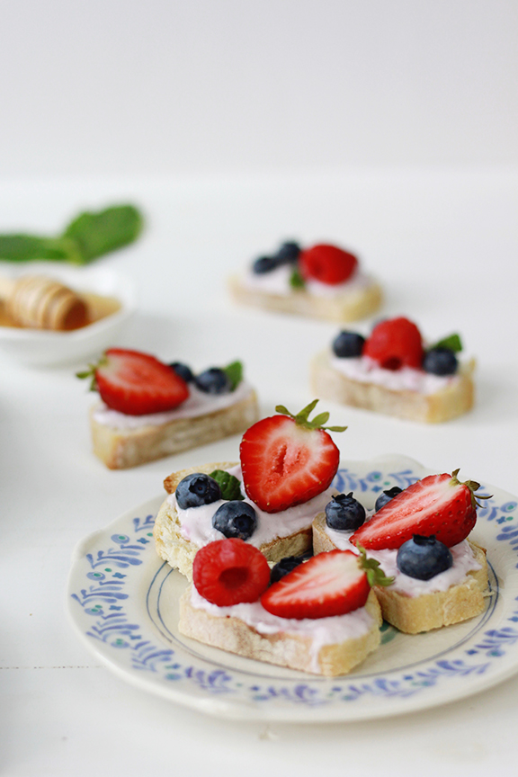 Berry Bruschetta